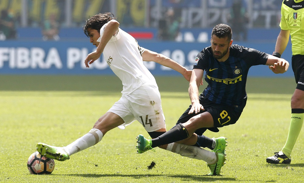 West Ham Eye Inter Milan Winger But Antonio Conte Could Scupper Their Plans